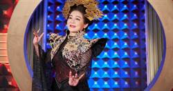 王彩樺女王造型 被笑「大頭症」:拍到脖子快抽筋
