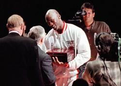 NBA》喬丹曾經亂傳球 只為霸凌隊友