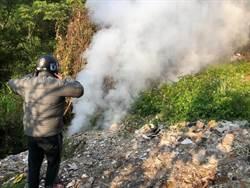 公墓打游擊偷燒廢棄物 東勢家戶連聞3天惡臭