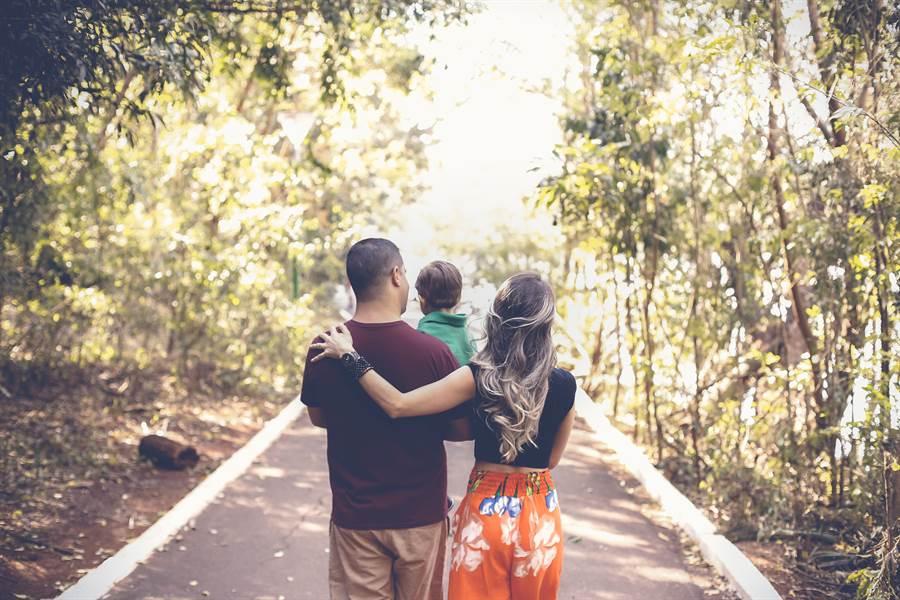 影響孩子是否具有同理心的關鍵─爸爸與小孩的相處(圖片提供/三采文化)