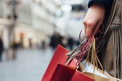 英國封閉防疫後 外出購物人潮銳減83%