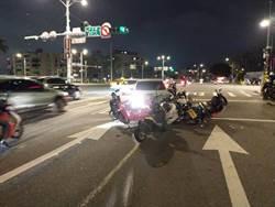 酒駕男衝對向撞8輛停等紅燈機車 6人輕傷4人送醫