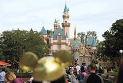 迪士尼10萬員工放無薪假