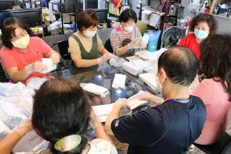藥師挑販售口罩重任  防疫媽媽隊助一臂之力