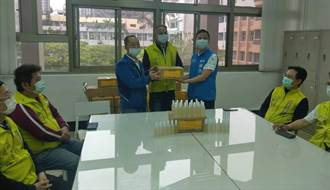 竹市議員捐贈酒精協助防疫