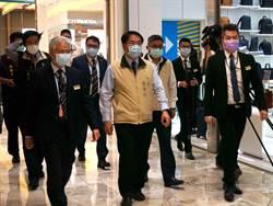 南紡購物中心全館消毒防疫 黃偉哲親赴商場打氣