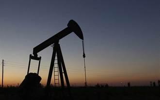 川普恐嚇轟伊朗船艦!買盤逢低進場 油價暴漲30%