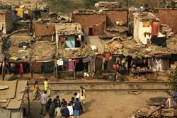 疫情越燒越嚴重 印度貧民窟出現確診病例