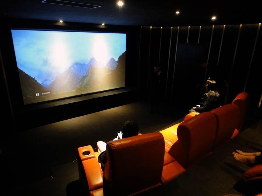 新冠肺炎升溫,近來電影院來客數急速下降。(圖為電影院示意圖,本報系資料照)