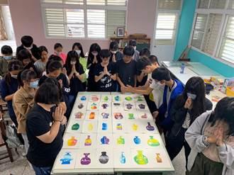 祈求疫情平安 新市國中美術班學生版畫傳心意