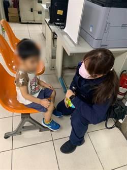 3歲男童走失大哭 女警耐心安撫助返家