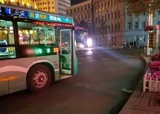 要求前線醫護付車錢 陸公車司機被解僱