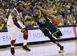 NBA》KD難追詹皇 生涯得分一路落後