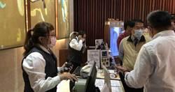 台南市長帶隊突襲錢櫃KTV 消防栓前擺雜物開勸導單
