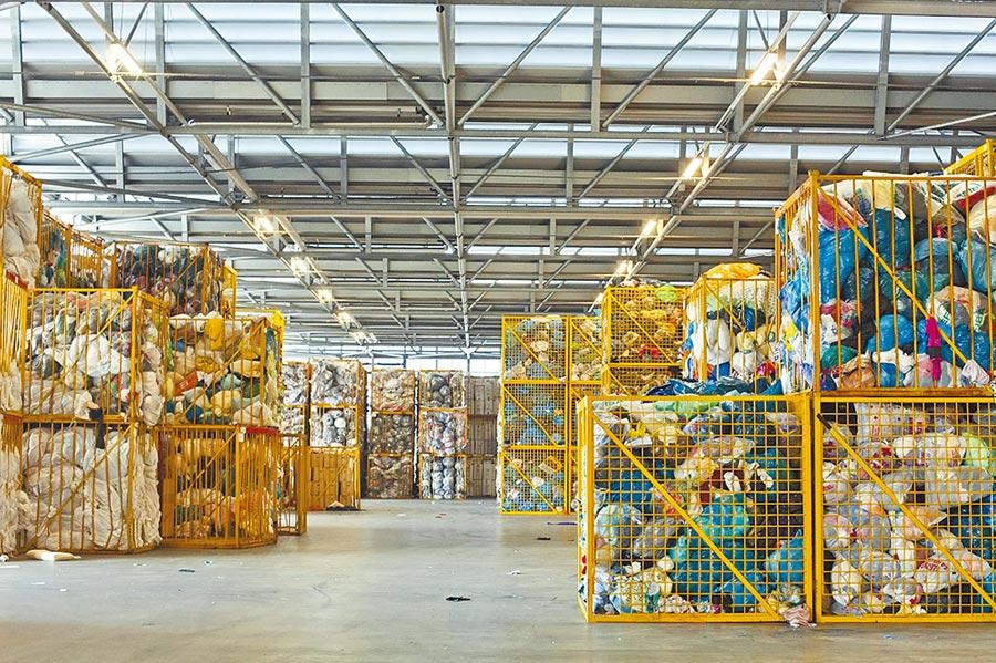 H&M集團在台灣的舊衣回收,從2015年迄今回收量突破20萬公斤。(H&M提供)