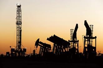 國際油價又崩跌!
