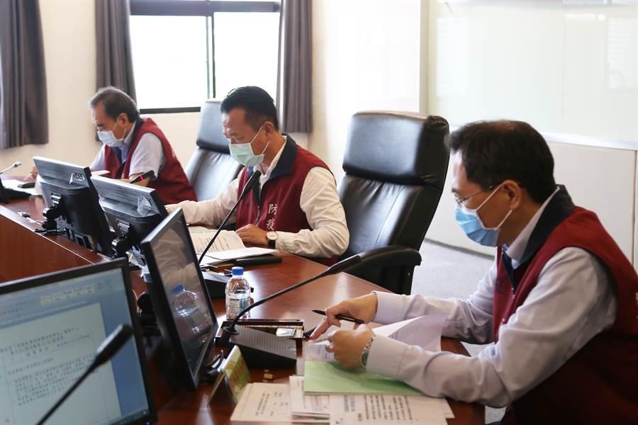 今28日縣府舉行應變會議,決定將相關防疫期限全數延長到6月底,後續再視疫情狀況調整。(嘉義縣政府提供/呂妍庭嘉義傳真)