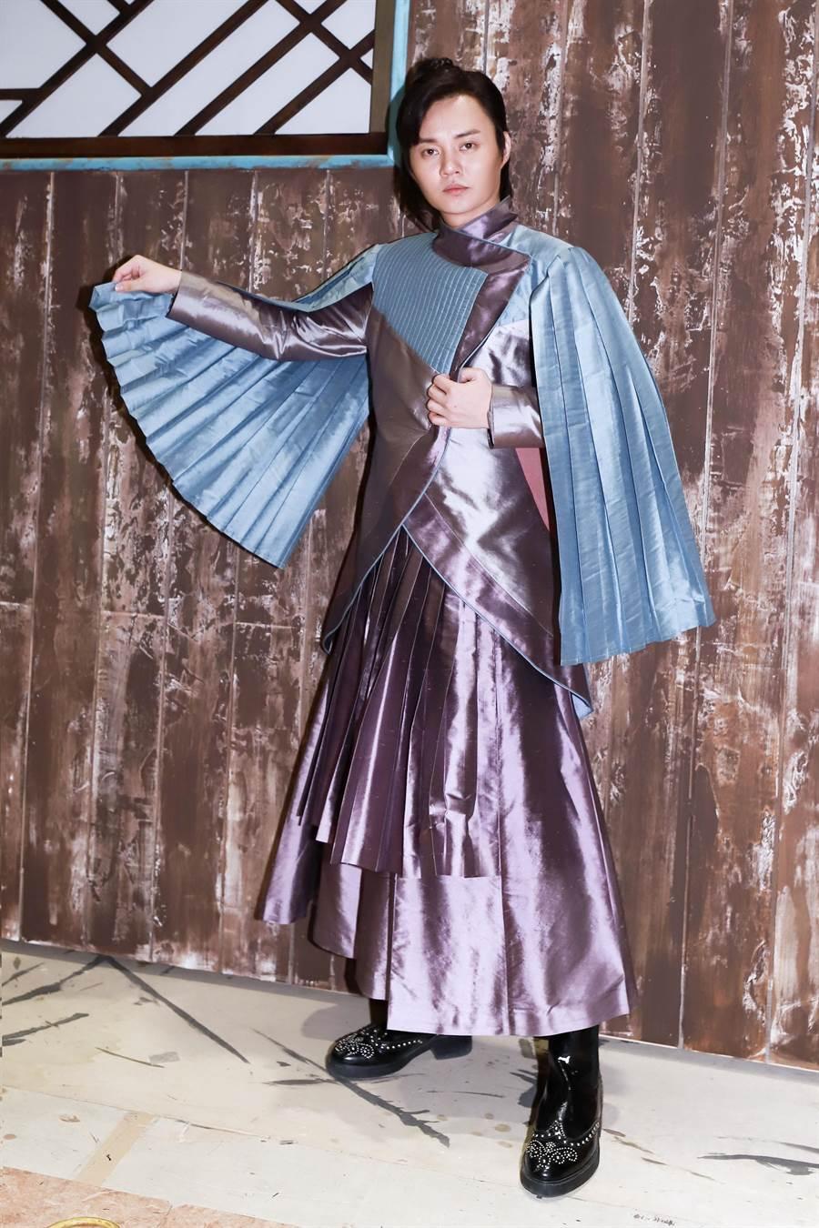 許富凱在《孟婆客棧》中飾演才藝多采多姿的小諸葛。(民視提供)