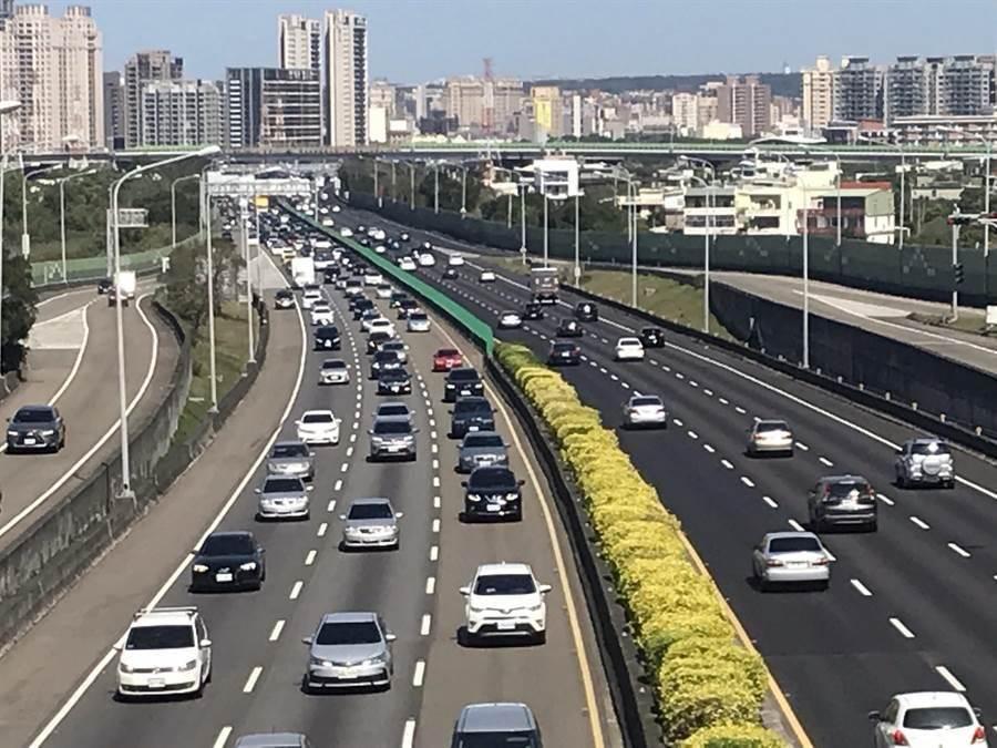 國道高速公路。(本報資料照/陳育賢攝)