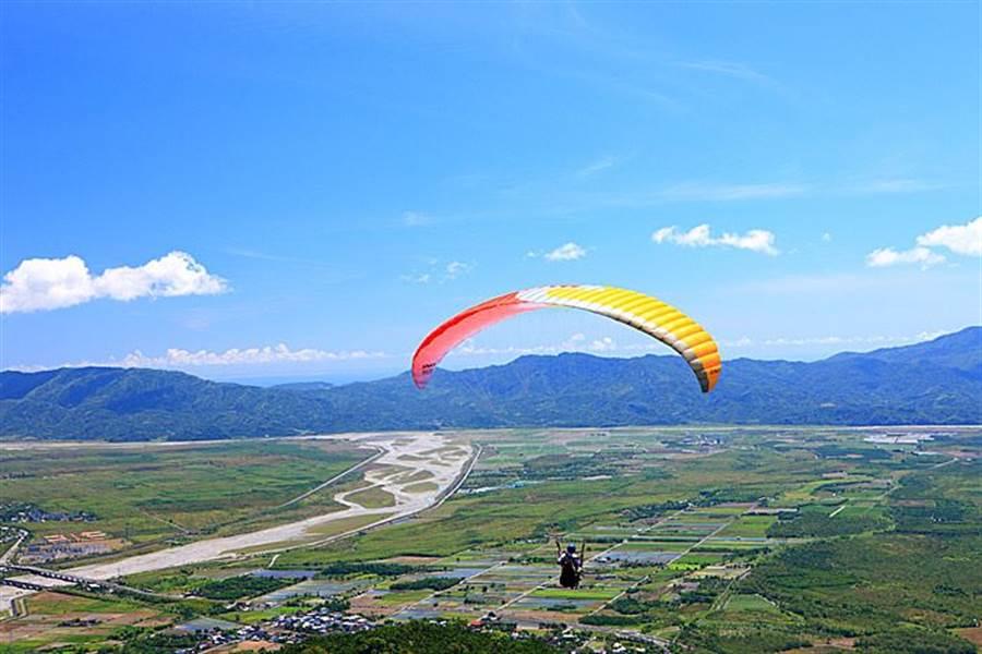 台灣最高飛行傘|花蓮飛行傘體驗。(KKday 提供)