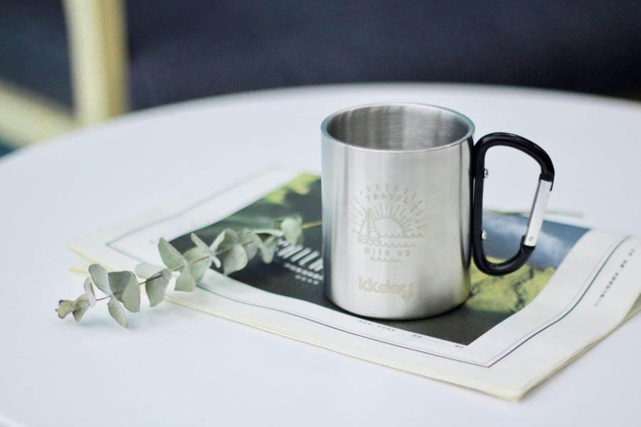 風格旅行選物|扣環式登山鋼杯。(KKday 提供)