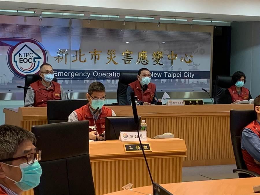 新北市長侯友宜日前在防疫會議透露,「若疫情持續穩定,新北將逐步鬆綁管制作為」。(許哲瑗攝)