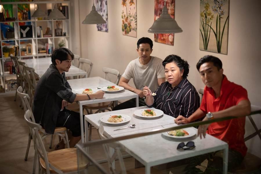 楊銘威(左起)、Darren、鍾欣凌、王少偉在《我的婆婆》將有爆笑演出。(公視提供)