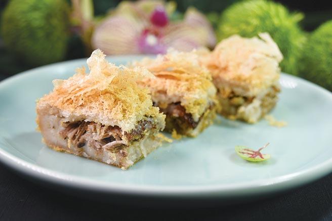 〈晶華軒〉推出「香港好味道」新菜單,〈香酥荔茸鴨〉是源於清朝的順德老菜。圖/姚舜
