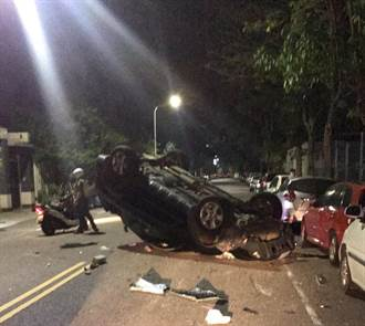 台中男酒駕遇警假停加速逃 撞3車翻倒5人被逮