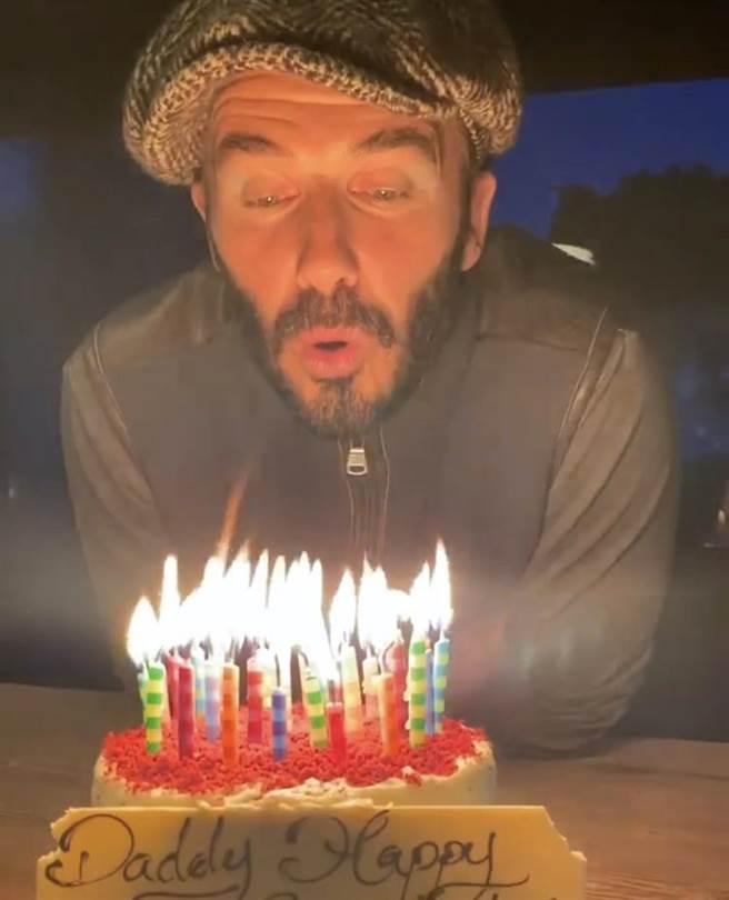 貝克漢慶45歲生日。(摘自IG)