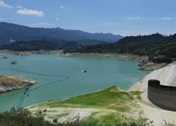 蓄水量剩10% 曾文水庫趕梅雨季前清淤