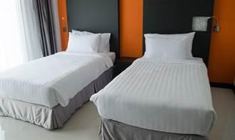 飯店單人床為何都會放2個枕頭?