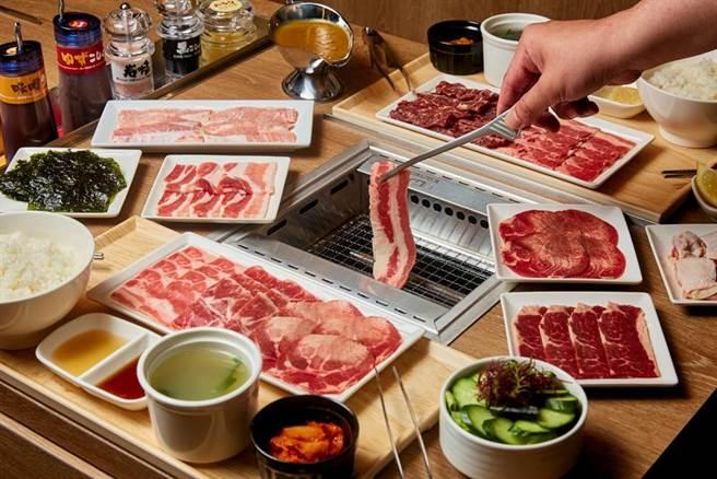 燒肉LIKE專屬個人烤爐,可享受高CP值的大口吃肉快感。(巨城提供/陳育賢新竹傳真)
