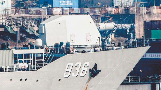網路流傳疑似大陸船艦上的電磁炮。(取自新浪微博@一片熱土)