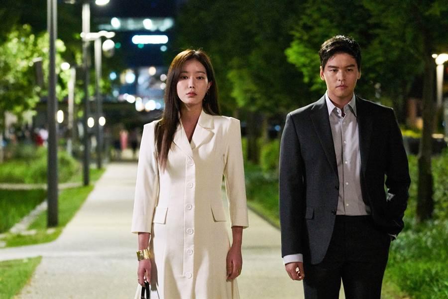 林秀香、李章宇合作《優雅的家》飆演技。(中天提供)