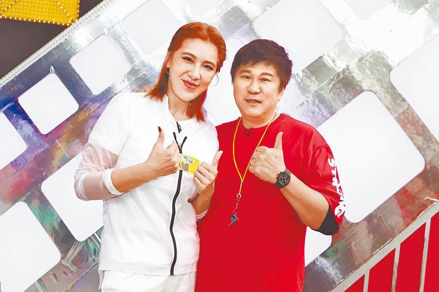 胡瓜(右)要小禎提前到《綜藝大集合》做功課。(資料照片)
