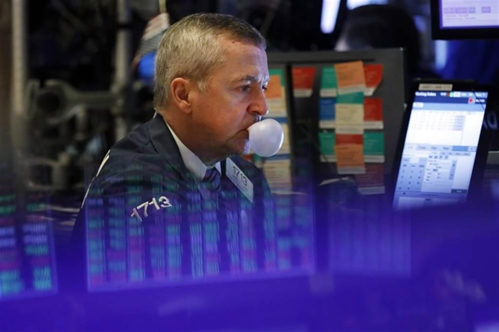 2000年網路泡沫慘劇恐重演?分析師警告:美股恐崩40%。(美聯社資料照)