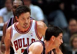 NBA》白面刺客庫柯奇 守住公牛第6冠