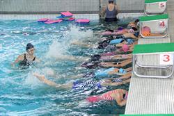 交通接駁有群聚風險  嘉市游泳課仍暫停