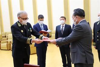 俄羅斯頒給金正恩二戰勝利75週年紀念章