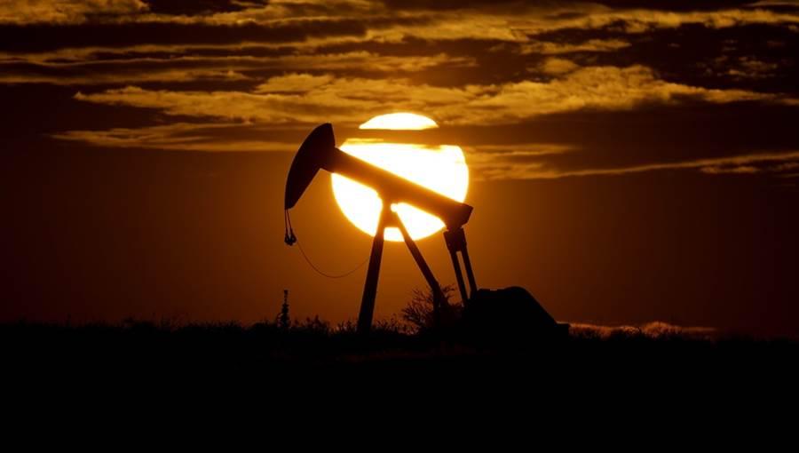 5月WTI期货原油价格4月下旬出现史上负价格,短短3分钟的关键时刻,投资人至少损失46亿美元。(美联社)