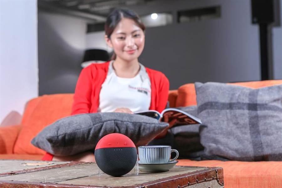 遠傳電信5日宣布,愛講智慧音箱串聯禾聯電風扇、除濕機,擴大智慧控制生態圈布局。(圖/遠傳提供)