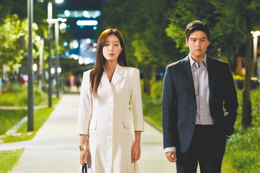 韓劇《優雅的家》由林秀香(左)及李章宇主演。(中天提供)