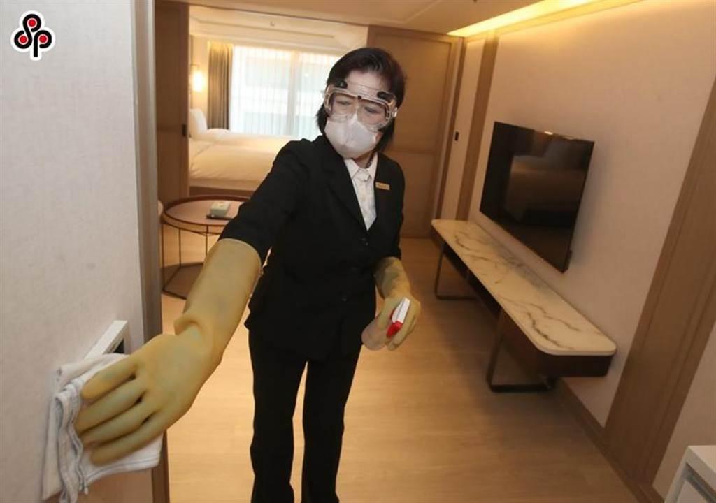 此為防疫旅館的清潔情況示意,圖中人物、場所與本文內容無關。圖/本報資料照
