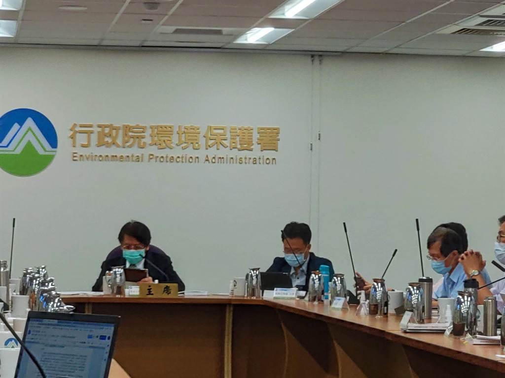 歷經3次專案小組會議審查的「彰濱工業區環保設施用地興建資源回收處理中心」今天通過環評。(林良齊攝)