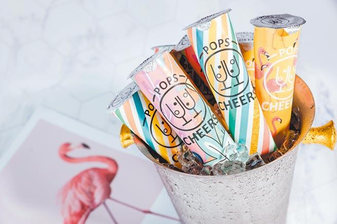 OK超商Cheerspops低卡舉杯冰棍,149元6入。(OK提供)