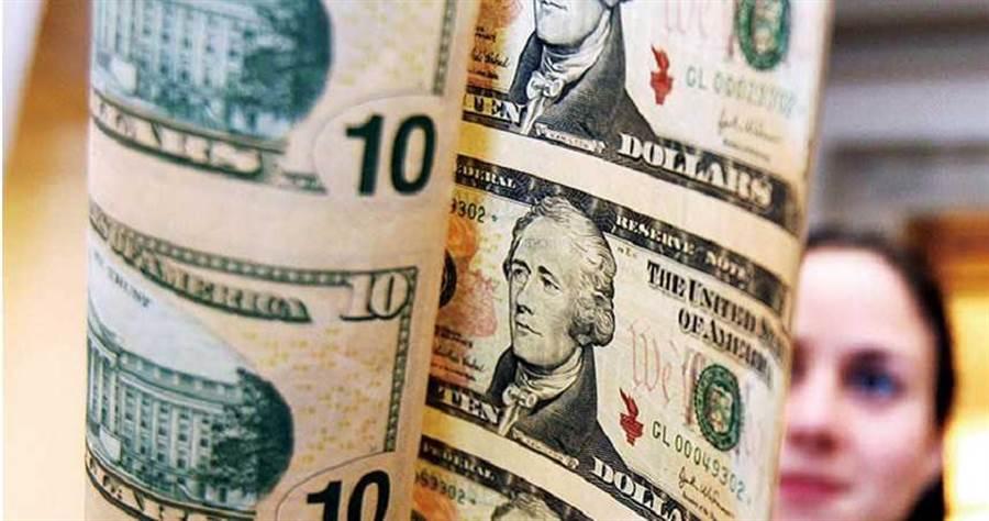 疫情危機過後,美國經濟或需要另一個十年來重整旗鼓。(圖/新華社)