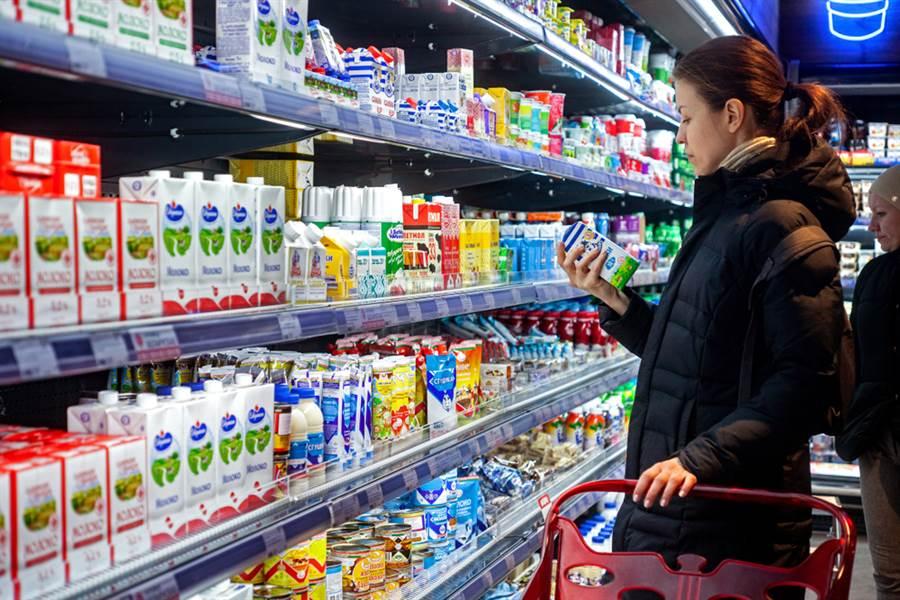 食物過期能吃嗎?營養師:可能產生黃麴毒素,增加罹患肝癌的風險。(示意圖/達志)