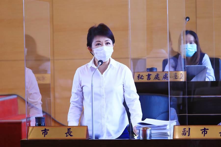 市長盧秀燕說,等中央辦法明確下來,市府會積極協助中央來協助市民辦理。(陳世宗攝)