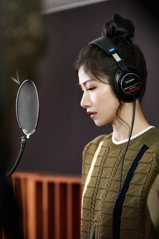 李千那推出單曲<不敢聽的歌>,5月6日MV、各大數位平台上線。(環球唱片提供)